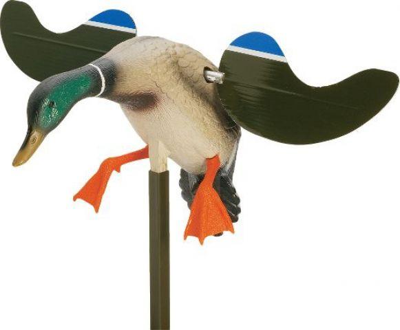 Чучела уток с машущими крыльями своими руками